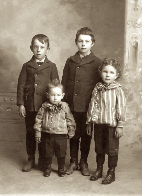Hanneman Boys 1903