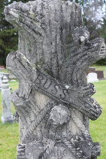 Another marker with tree motif.