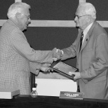 John Bogle (right) receives an award presented by Mayor Dave Hanneman. (Sun Prairie Star Photo)