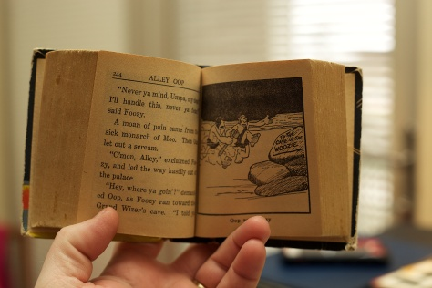 Big Little Books had text on the left-facing pages and illustrations on the right pages.