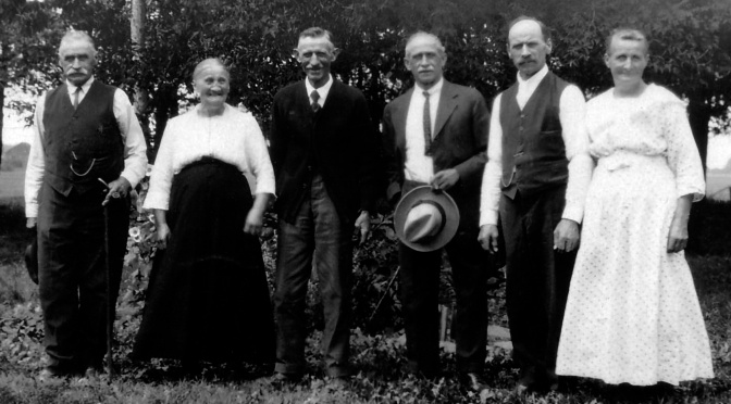 Eye on the Past: 6 Hanneman Siblings