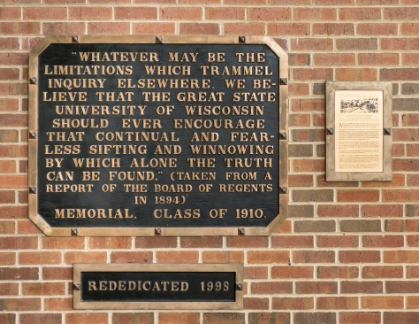 The Sifting and Winnowing tablet along with commemorative plaque outside the UW-Parkside library. (Duzynski Photo)