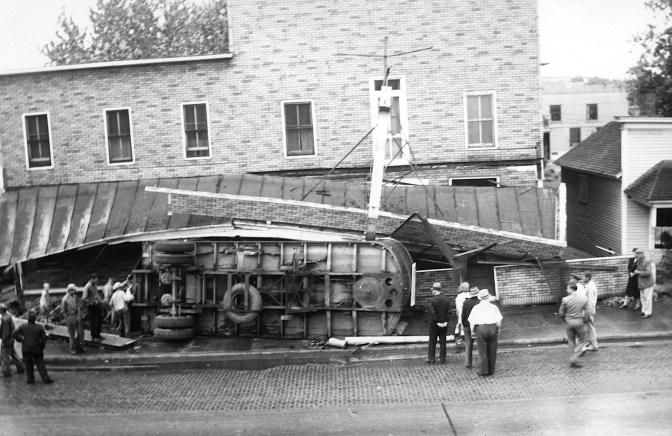 Eye on the Past: 1946 Tourist Hotel Crash