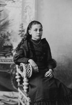 Lusetta Krosch, circa 1895.